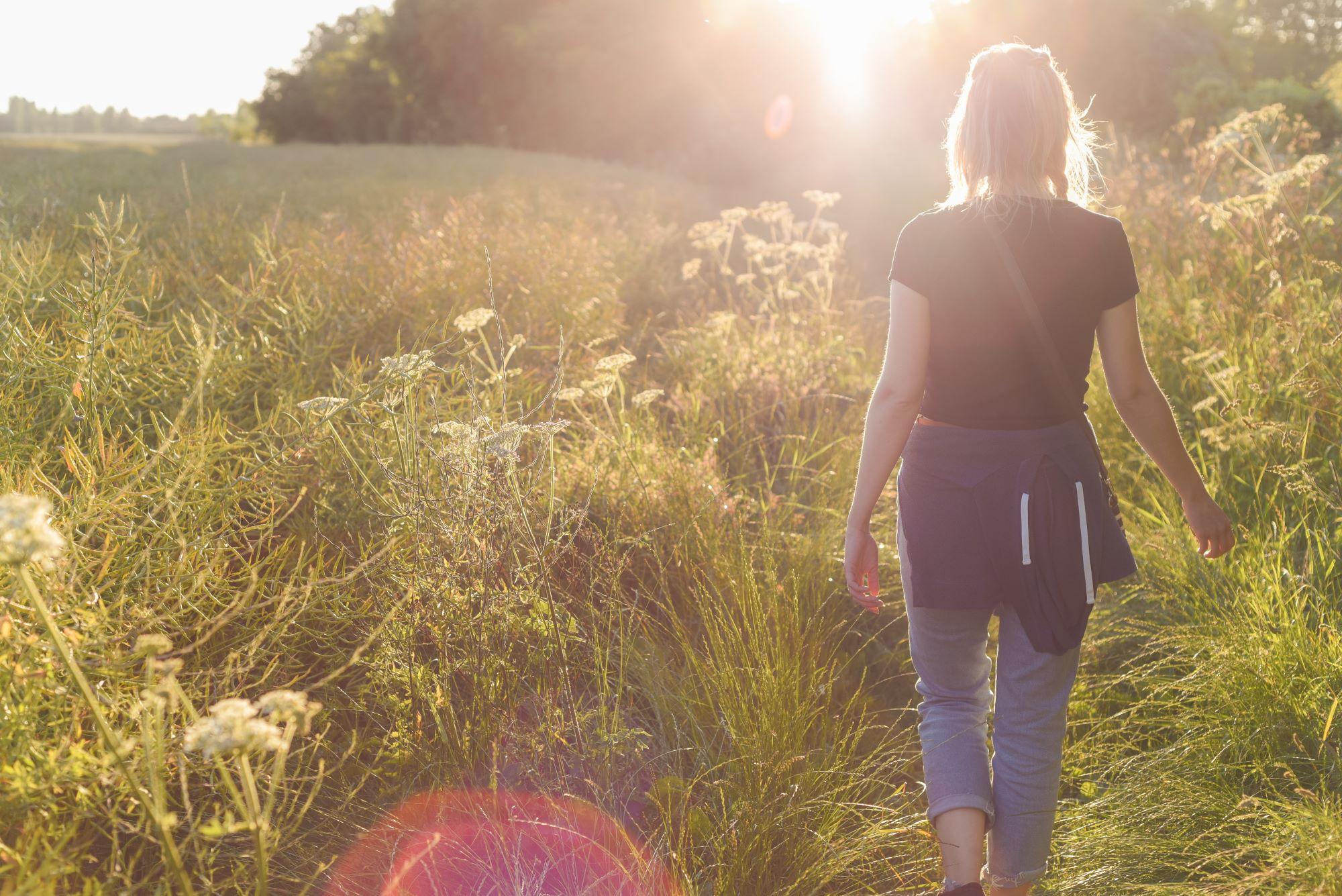 Learn mindfulness walking meditation